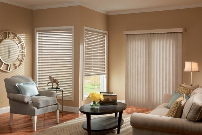 ambiance apaisante dans une salle de séjour aménagée avec couleurs neutres, idée peinture sable pour déco de salon