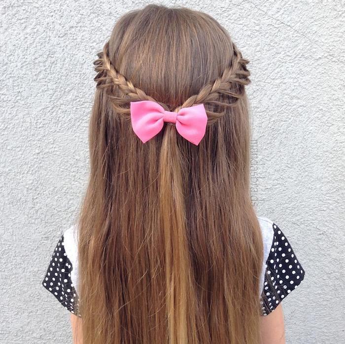 Tresse couronne et cheveux lisses, idée coiffure natte africaine, coiffure petite fille mariage