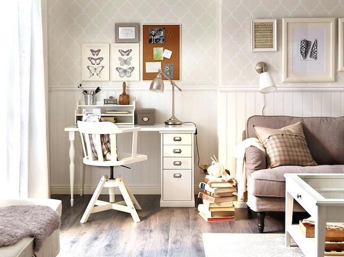 Bureau et chaise vintage blanc, dessins de papillons en cadres photo, bureau etudiant, deco bureau, inspiration maison moderne