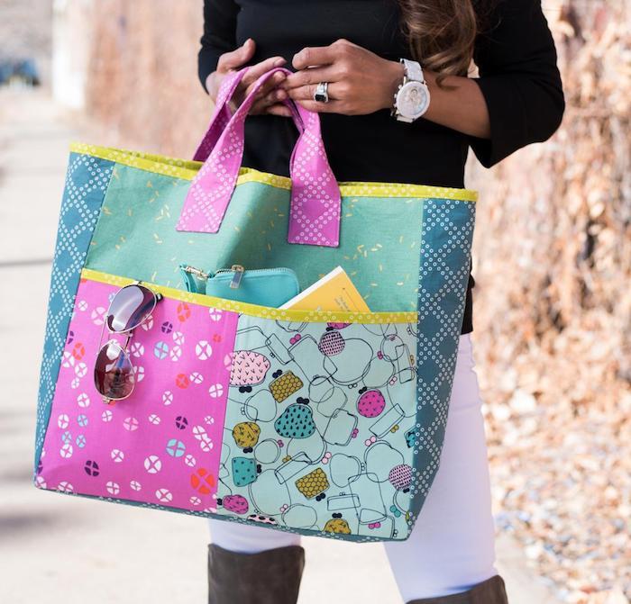 Choix modèles de sacs en tissu à faire soi-même, idée projet diy facile, coloré sac pour porter beaucoup de choses