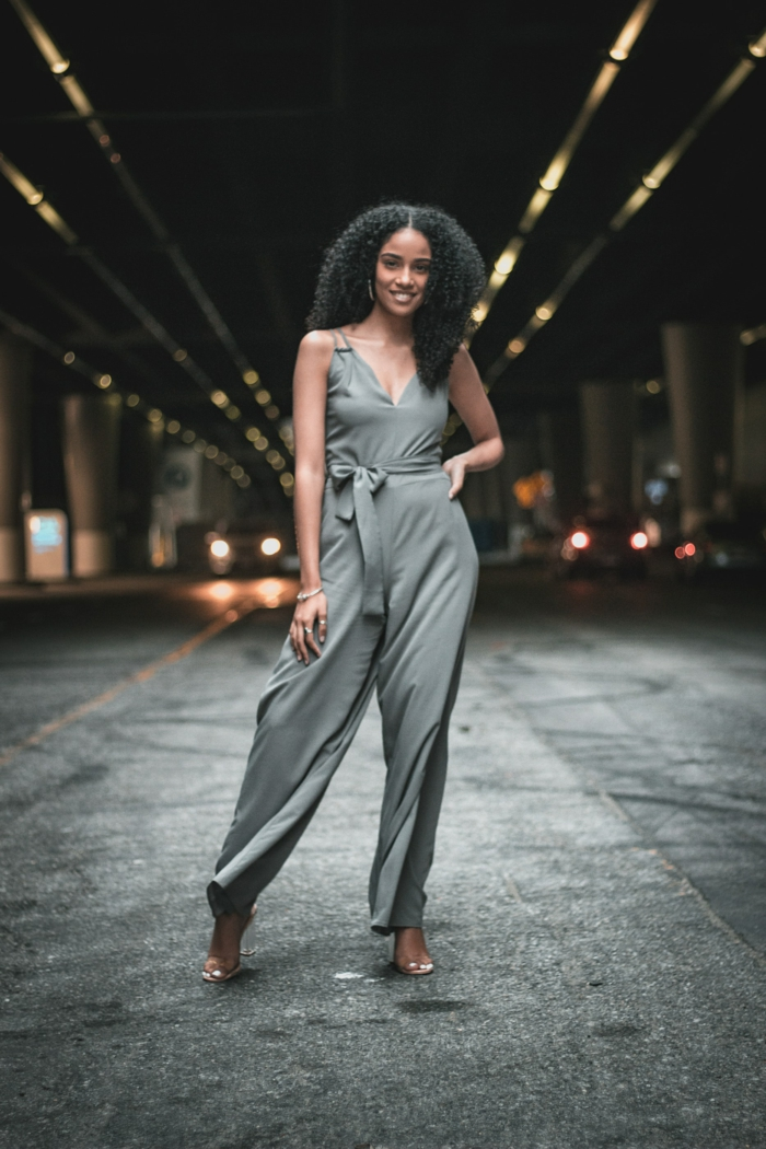Salopette pantalon long, combinaison élégante, vetement femme tendance, mode d'été 2019, femme stylée tenue décontractée chic