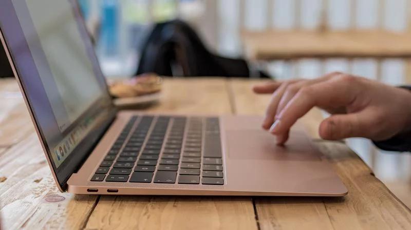 Apple met à jour le MacBook Air Retina en installant True Tone et arrête la vente de MacBook 12
