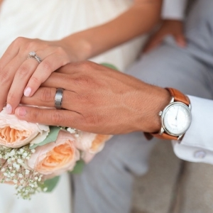 Comment bien choisir ses alliances de mariage