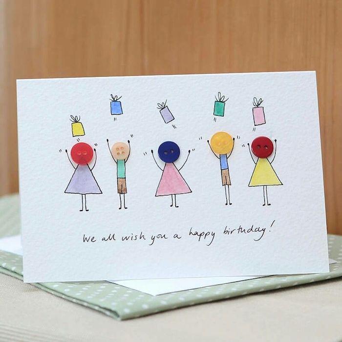 Carte avec boutons et dessin pour dire joyeux anniversaire, carte d'anniversaire beau design, enfants joyeux dessin