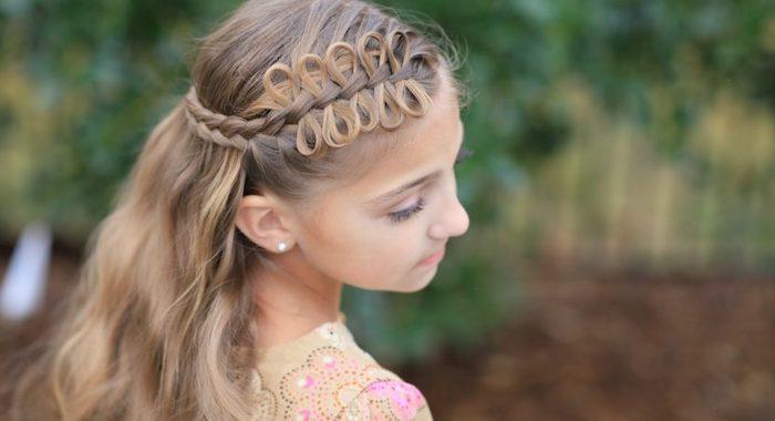 Fille coiffure tresse couronne avec cheveux lâchées, coiffure petite fille, coiffure tresse, tuto coiffure facile