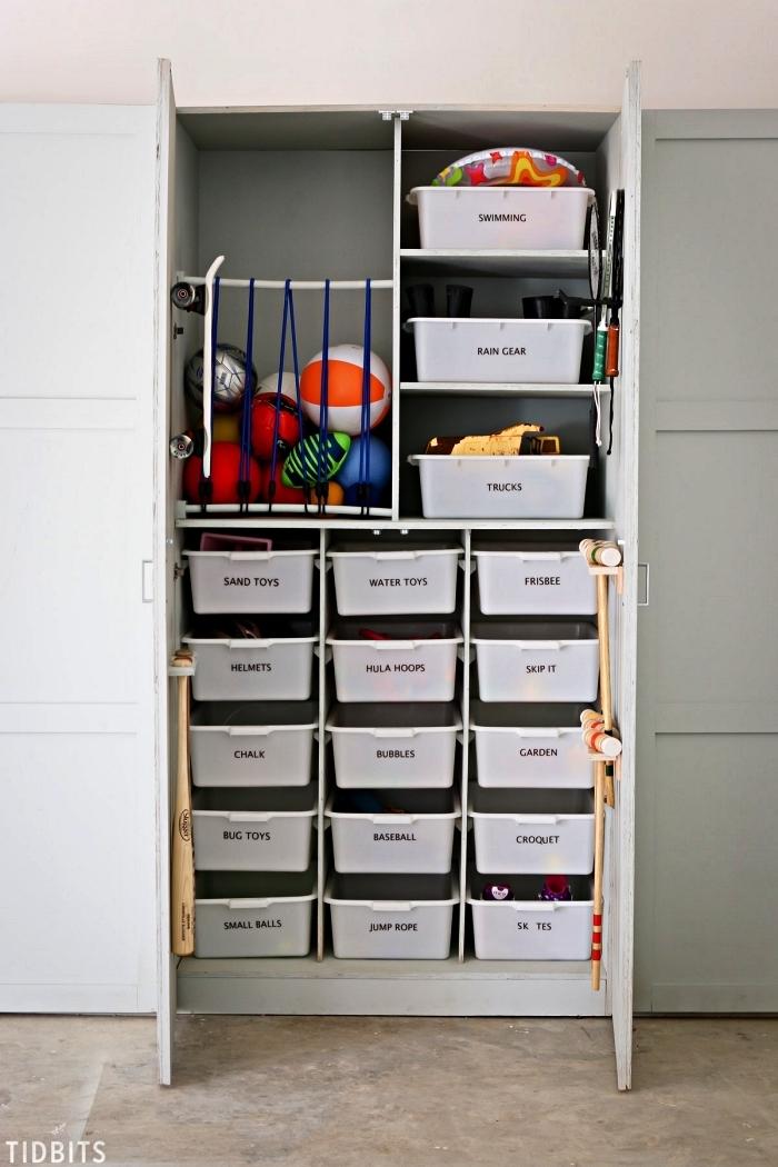 meuble de rangement avec tiroirs bacs de rangement et cage à jouets avec de la corde