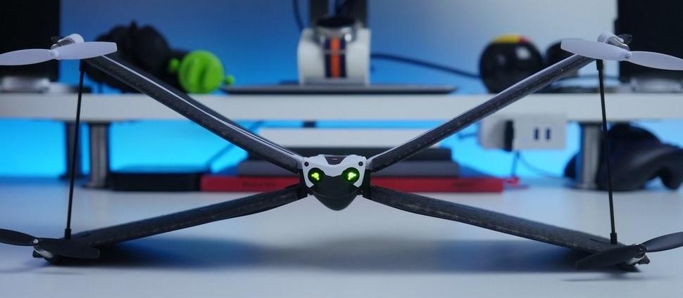 Parrot a dores et déjà min fin à la production de ses minidrones Swing et Bebop pour se concentrer sur l Anafi