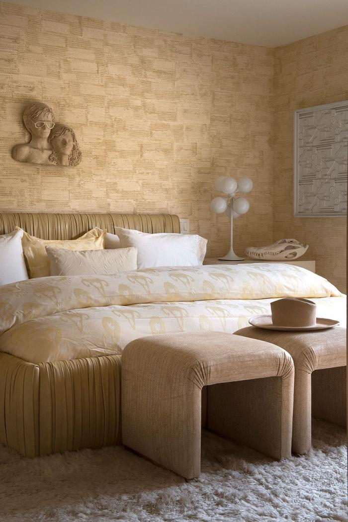 idée décoration chambre en couleurs neutres, peinture a effet sablé pour une chambre, décor nuances de beige