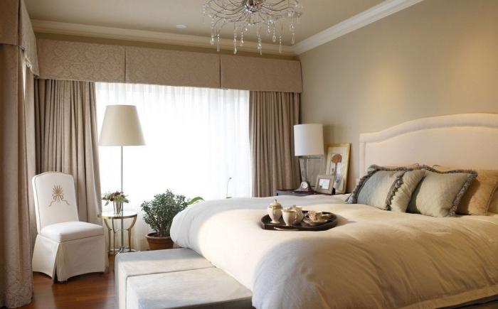 comment décorer une pièce adulte stylée, design chambre adulte en couleurs neutres, ambiance apaisante avec peinture couleur sable