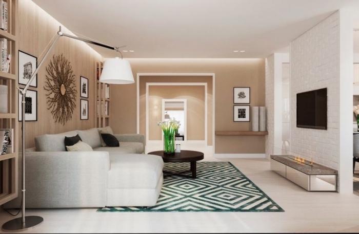 exemple de peinture beige sable dans un salon contemporain, déco pièce blanc et beige avec accents en noir et blanc