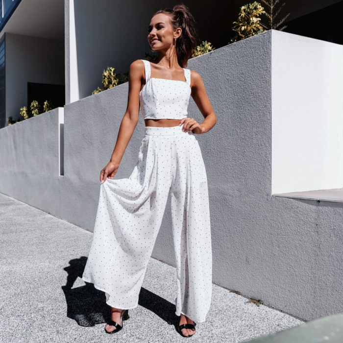 Blanche combinaison pantalon femme, vetement femme tendance, fille habillée bien, tenue blanc à pois noires