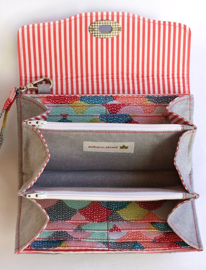 Pochette rayé avec fleurs dedans, choisir un tissu et faire un sac pas simple, les sacs en tissu à faire soi-même