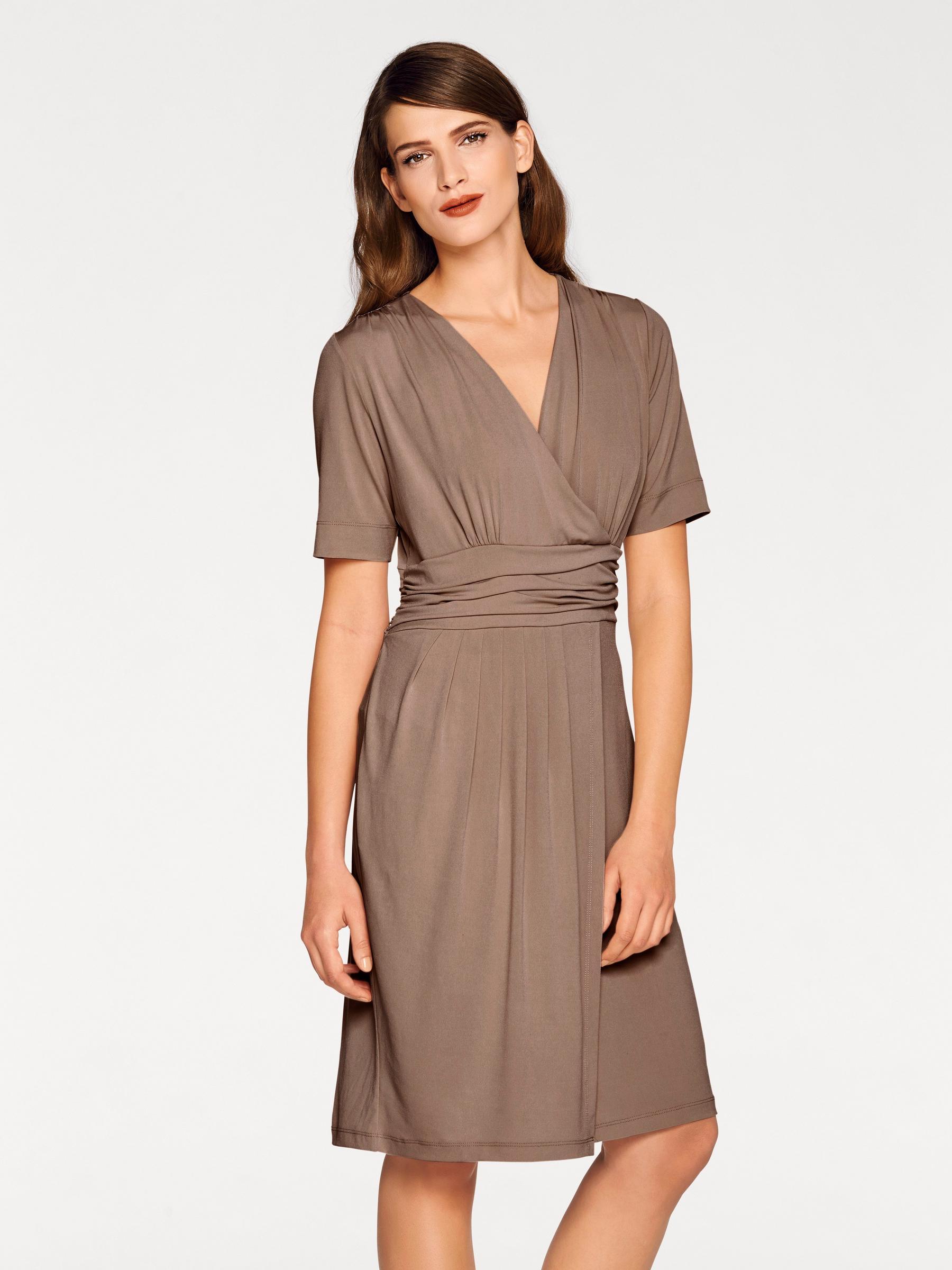 Robe coupe portefeuille marron, discrète et élégante en toutes circonstances