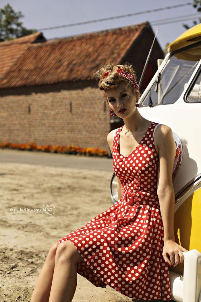 Robe guinguette rouge à pois blanc, tenue guinguette femme, robe guinguette, coiffure swing danses