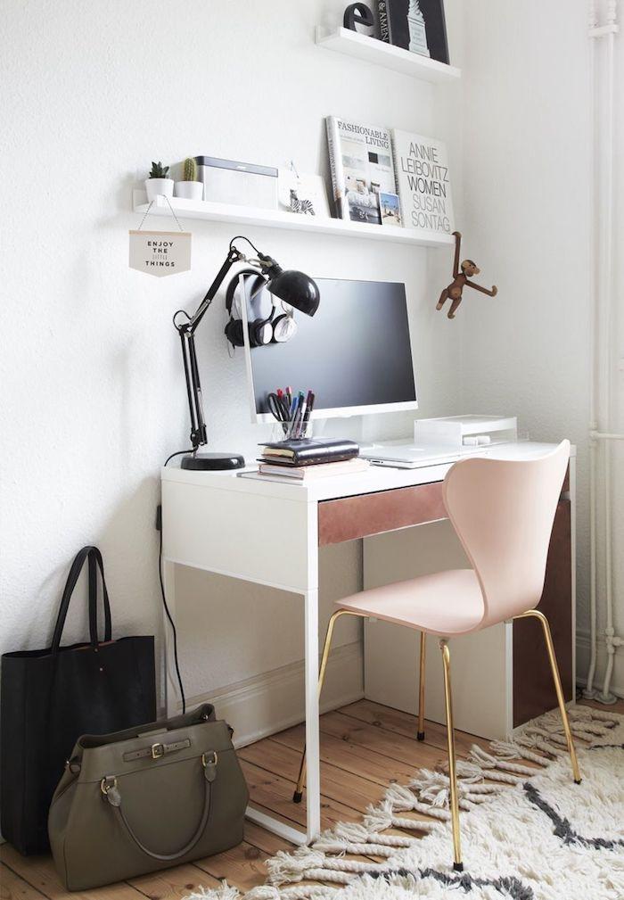 Blanc bureau fait maison, décoration bureau professionnel chaise rose avec pieds dorés