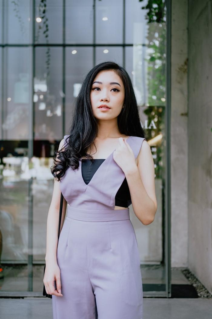 Violet lavande couleur tendance 2019, combinaison pantalon long femme chic, mode femme 2019, idée tenue d'été moderne