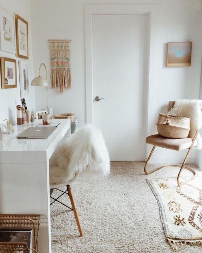 Blanc bureau deco, bureau scandinave, inspiration déco simple, tapis marocain