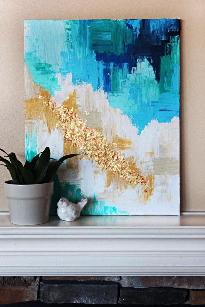 peinture artistique abstraite en bleu, blanc et or, peinture abstraite à l'acrylique avec application de feuille d'or
