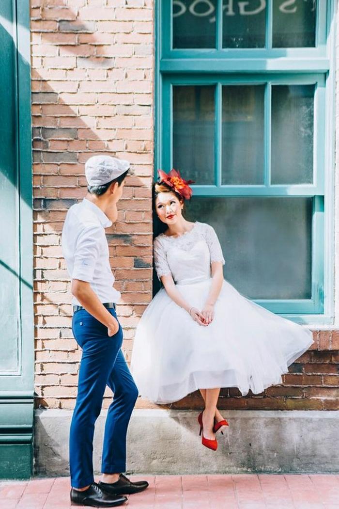 Couple mariée belles tenues rétro, deguisement guinguette, vetement annee 50 femme, fleurs dans les cheveux