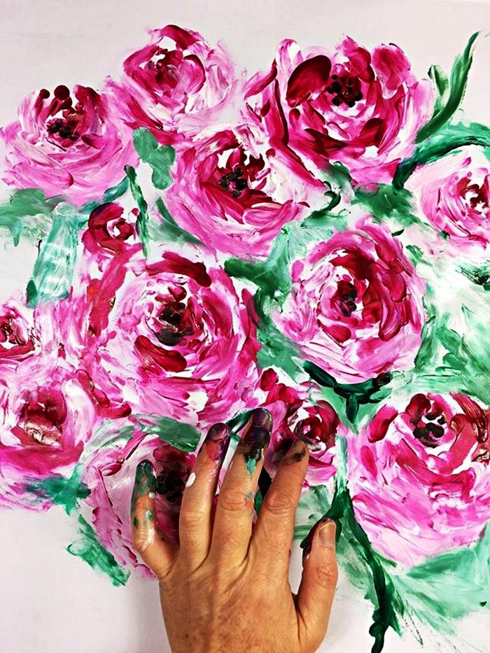 technique pour peindre à l'acrylique avec les doigts, peinture fleurs à l'acrylique réalisée avec les doigts