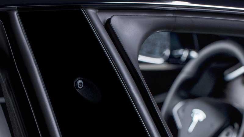 Avec Youtube et Netflix, Elon Musk promet une expérience digne d'un cinéma grâce au confort de ses voitures