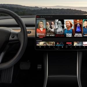 Netflix et Youtube arrivent à bord des voitures Tesla
