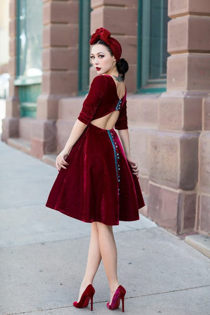 Velours rouge chapeau robe et chaussures, robe année 60, rétro tenue pour une soirée guinguette