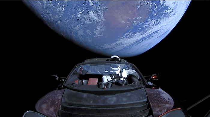 Starman et la fusée Falcon Heavy sont des projets de la société SpaceX de Elon Musk