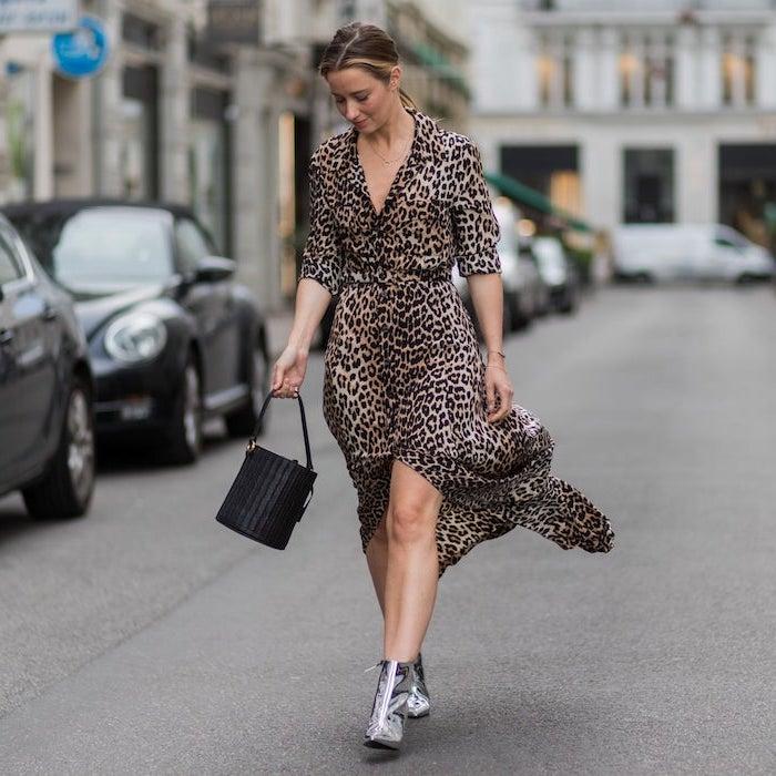 Motif animal robe magnifique tenue chic femme, mode automne hiver 2019, cool idée tenue