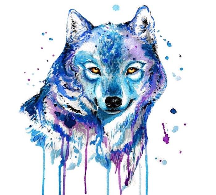 exemple de dessin aquarelle simple d animal. tête de louve en peinture dilué de couleur bleue et violette prédominant