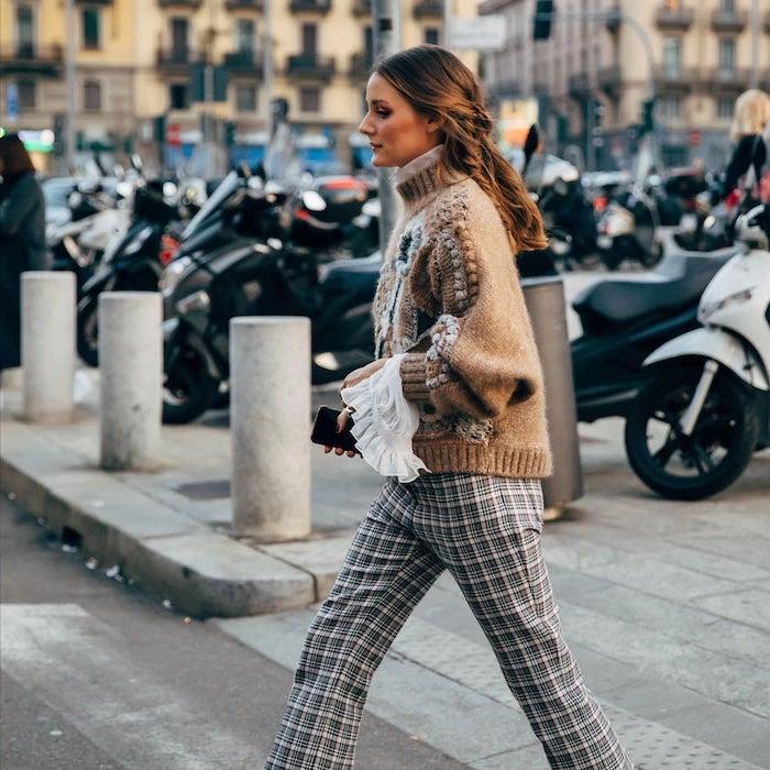 Pull original manches évasées, pantalon carrée tendance hiver 2019 2020, comment être bien habillée automne 2019