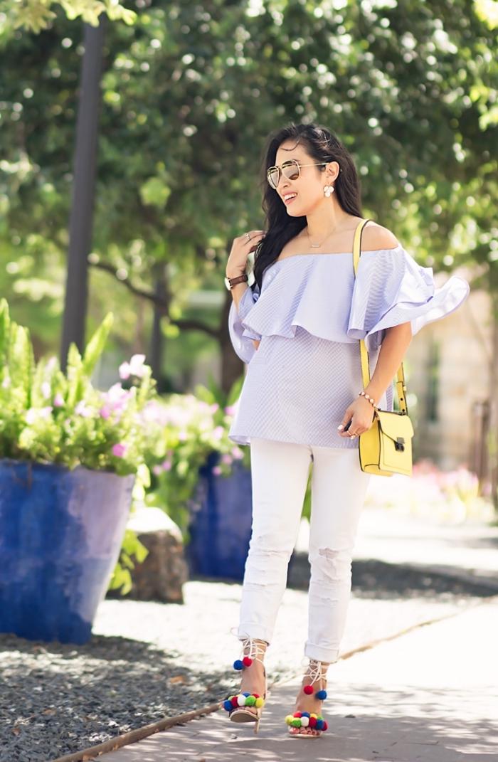 idée comment bien s'habiller avec pantalon et blouse moderne, accessoires mode femme tendance, modèle sandales hautes avec pompons
