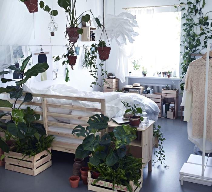 astuces avec ikea boite rangement en bois, des étagères et des jardinières diy réalisées avec des caisses à vin récup