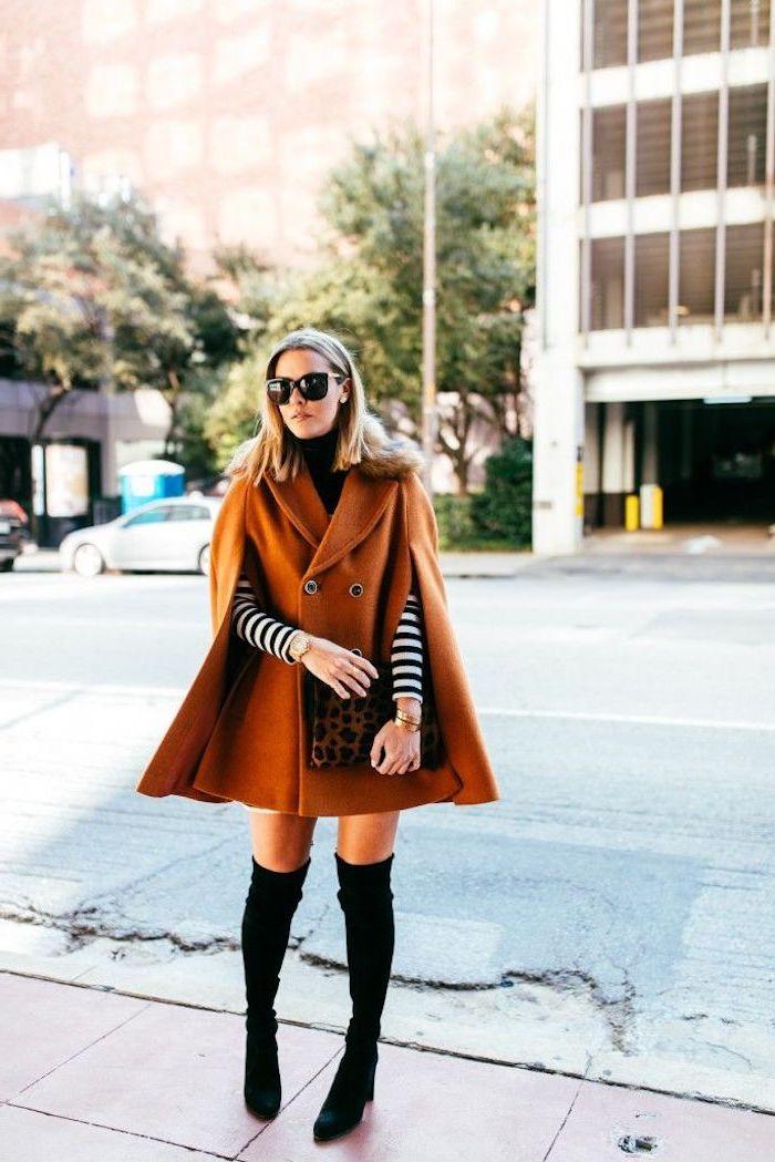 Tenue avec cuissardes, veste cape mi-longue à couleur d'automne, tendances pour femme, tenue hiver comment s'habiller, adopter le look chic