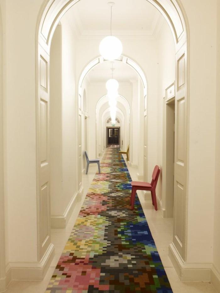 Tapis coloré longue et étroite, comment rendre plus clair un couloir en l et étroit