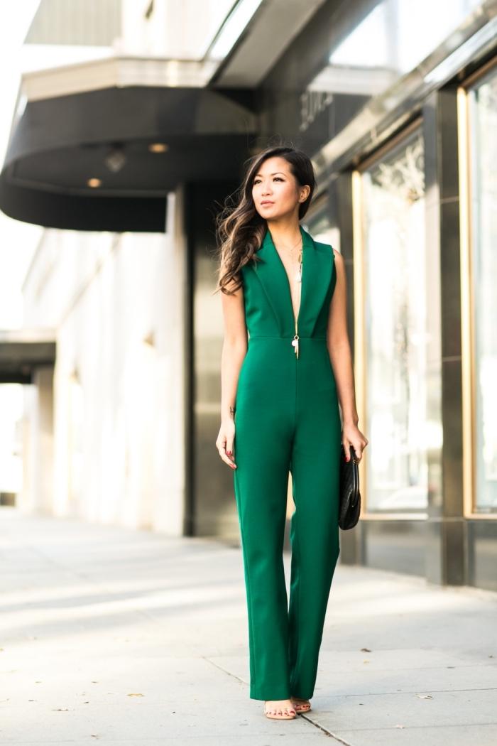 modèle de combinaison chic femme invitée de couleur vert, idée comment s habiller pour un mariage en pantalon