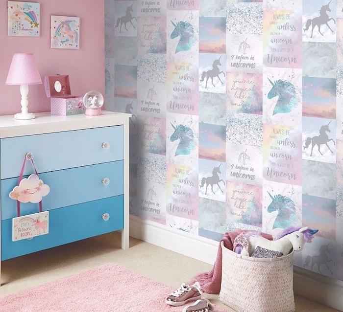 Tapisserie licorne dans décoration chambre enfant fille pour rêver