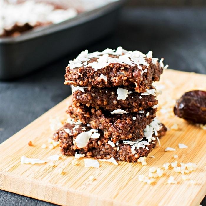 dessert rapide et facile au chocolat et noix de coco, recette vegan de brownies sans farine et sans gluten