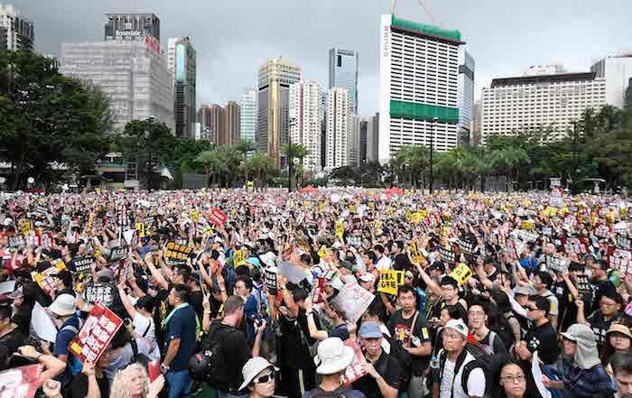Après avoir découvert des activités coordonnées visant à décrédibiliser les manifestations de Hong Kong, Youtube ferme 210 chaînes gérées par la Chine