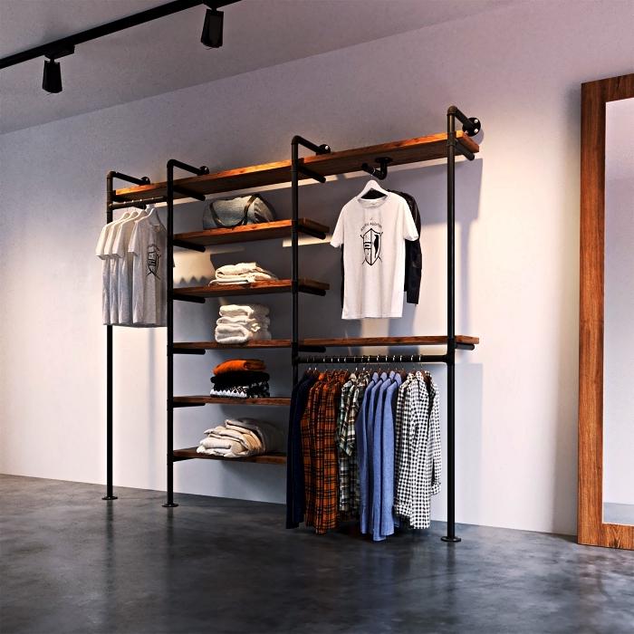 modèle de dressing diy à conception ouverte réalisé avec des tubes métal et du bois, dressing industriel à faire soi même