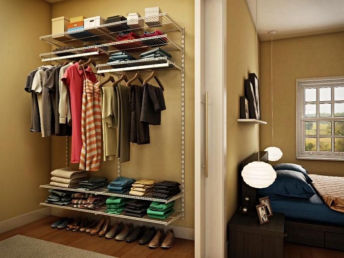 pièce dressing avec un système de rangement modulaire, idée d'aménagement d'une chambre avec dressing