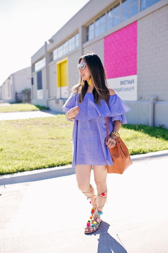 mode femme d'été tendances 2019, idée chaussures d'été DIY, sandales gladiateurs avec lacets décorés de pompons