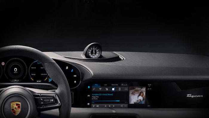 Porsche annonce que sa future voiture électrique Taycan intégrera Apple Music à son bord