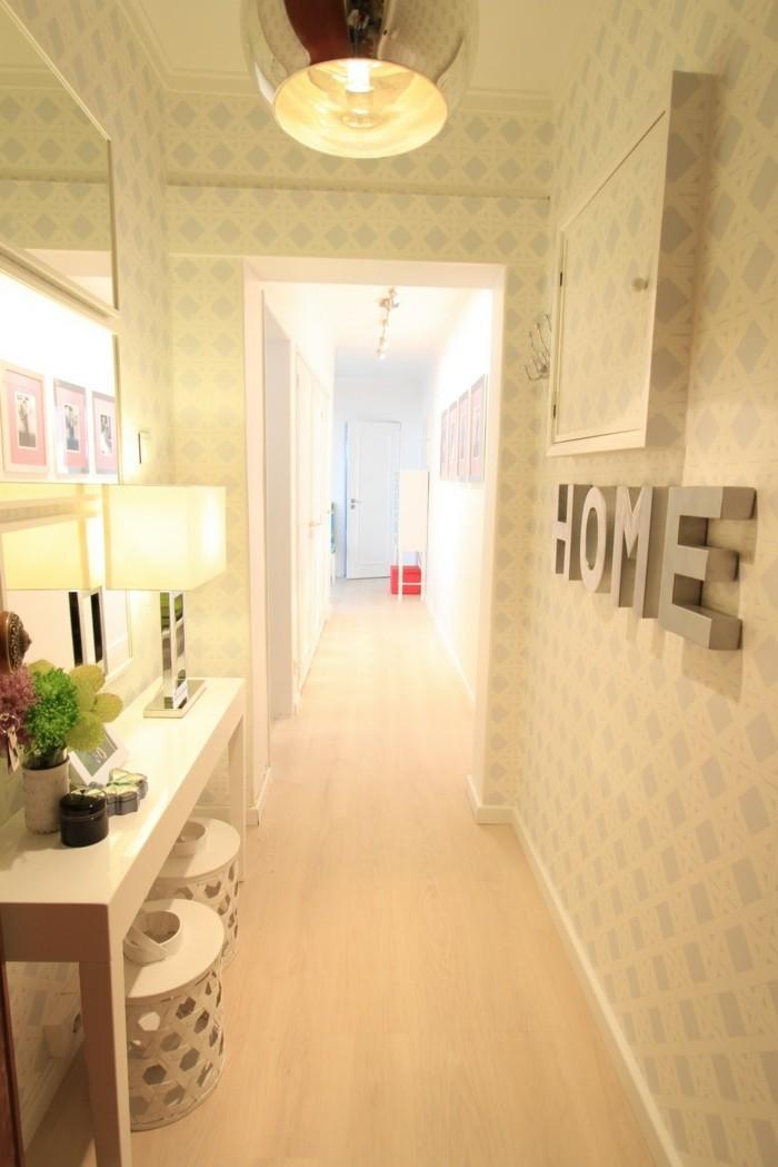 Etre a la maison, cosy atmosphère, couloir claire, idée déco couloir étroit, cool idée aménagement couloir stylé