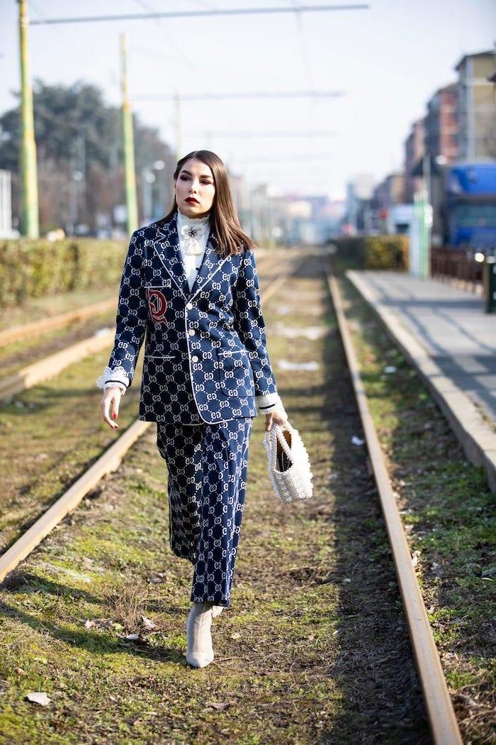 Tailleur femme couleur tendance hiver 2019 2020, mode automne hiver 2019