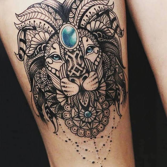 Lion avec bleues yeux tatouage fleur et animal, comment se tatouer, idée premier tatouage