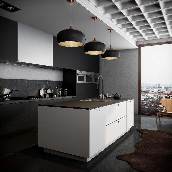 comment aménager une cuisine contemporain de type ouvert, agencement cuisine linéaire avec îlot, cuisine blanche et noire