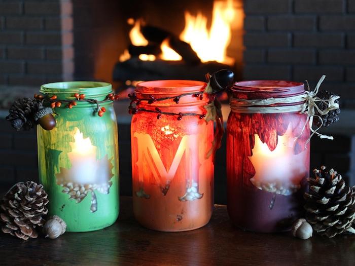 customiser pot en verre, bricolage automne creatif avec des pots en verre repeints de peinture et rempli de maïs et bougie à l intérieur