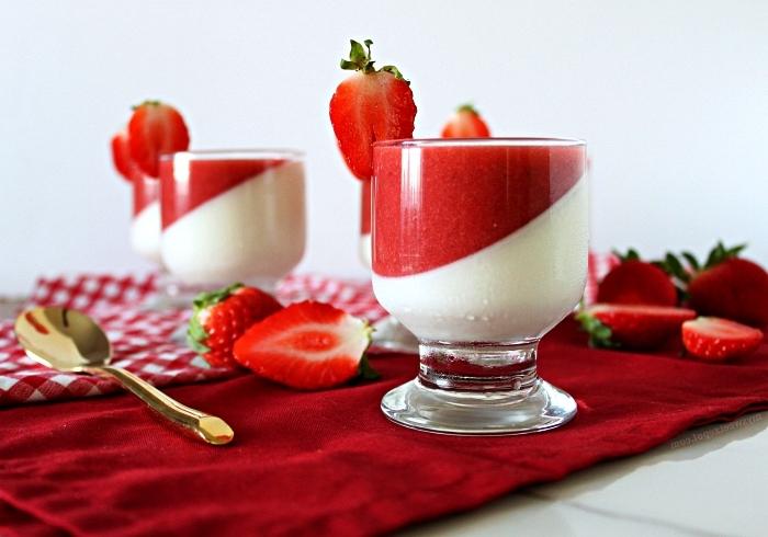 dessert facile et rapide sans cuisson, panna cotta à la vanille et fraise en verrine, verrine de panna cotta framboise et vanille