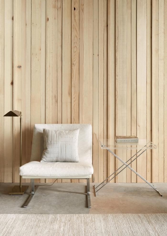 décoration intérieure de style moderne et minimaliste aux couleurs et matériaux naturels, idée décoration murale bois